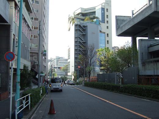 渋谷宮下公園のほうへ下る坂1