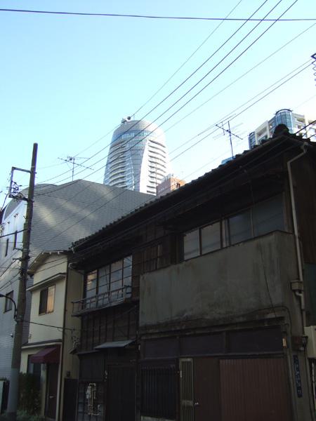 街の中の新旧