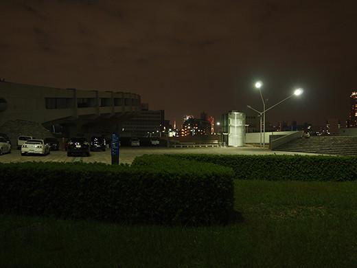 代々木体育館の坂道と東京タワー2