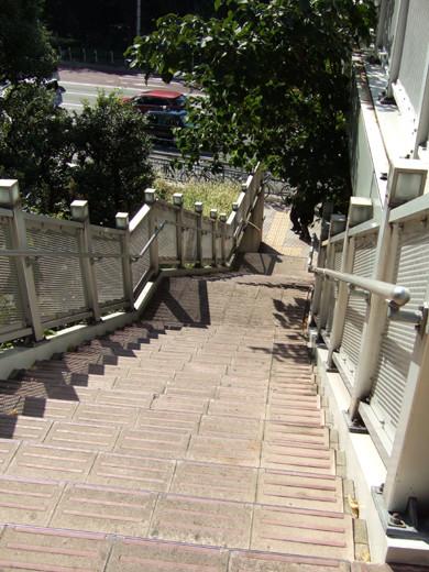 乃木坂トンネルの傾斜歩道4