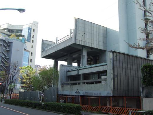 渋谷宮下公園のほうへ下る坂2