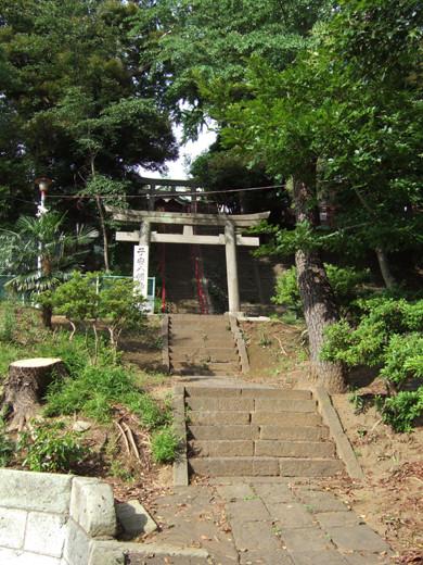 子安八幡神社の急階段1