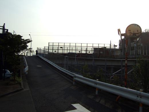 大田区相生坂の坂上の坂道3