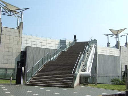 とある街の風景173(ビックサイトの階段)1