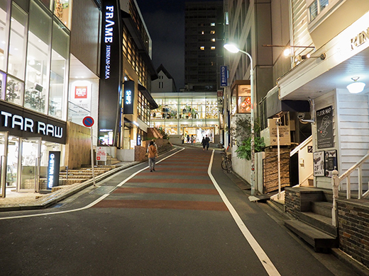 渋谷のニトリの裏側の坂道