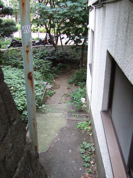 04_六本木ヒルズの消えた階段