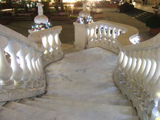 ガーデンプレイスの西洋階段ライトアップ1