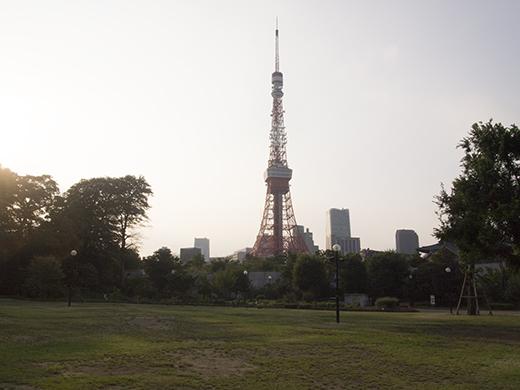 東京タワーと平和の灯1