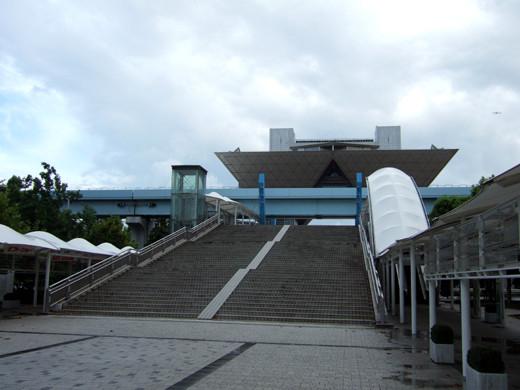 ビックサイトへの大階段1