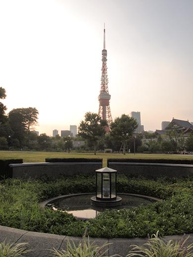 東京タワーと平和の灯2