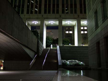 夜の都庁1