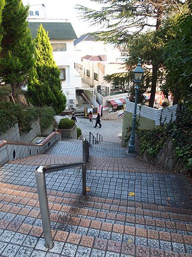 北野町広場へと上る階段5