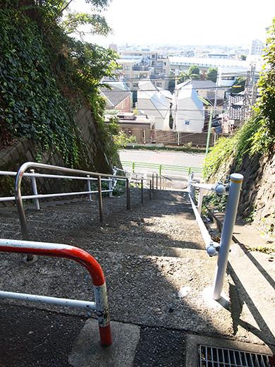 行善寺横の階段-3