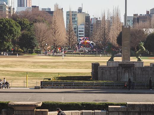聖徳記念絵画館の階段と軸線とF1-5