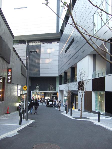 渋谷ヒカリエと宮益坂1