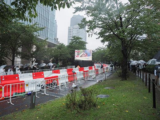 赤坂サカスのさくら坂でRED BULLのカートレース7