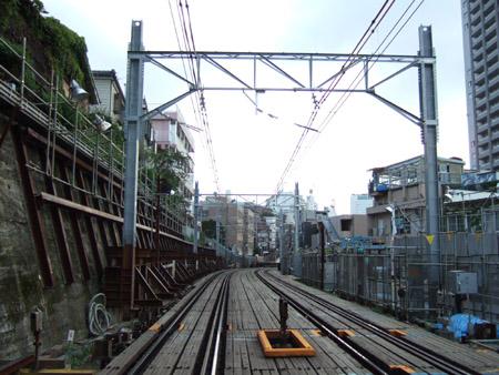 とある街の風景(線路をわたる坂道)3
