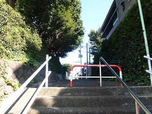 行善寺横の階段-4