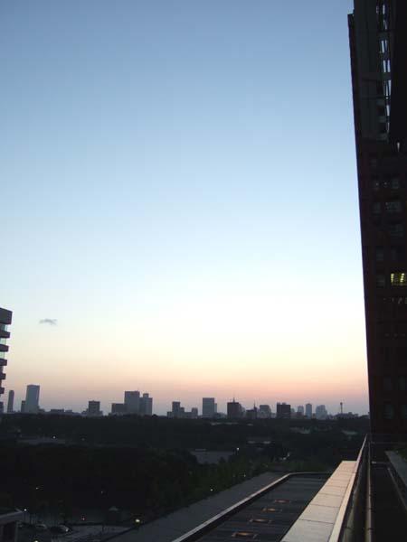 とある街の風景150(新丸ビルから)1