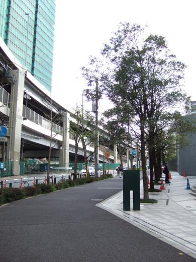 六本木の三角地帯に隣接した回廊のような坂6