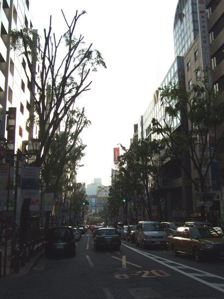渋谷ヒカリエと宮益坂7