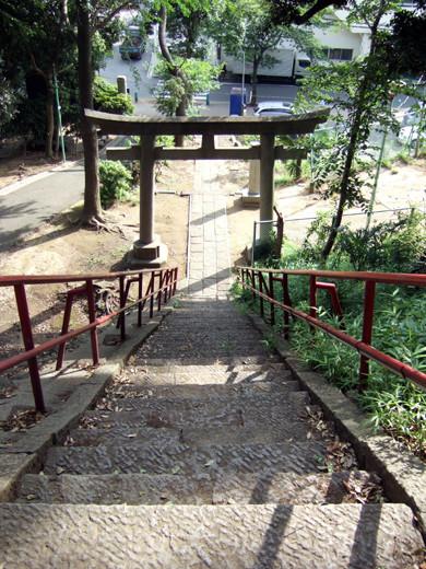 子安八幡神社の急階段5