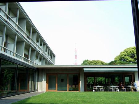 とある街の風景(六本木の旧岩崎庭園)