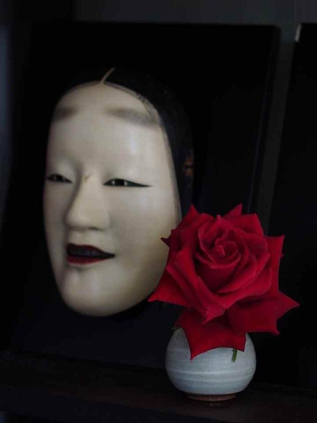 薔薇に能面_5.22