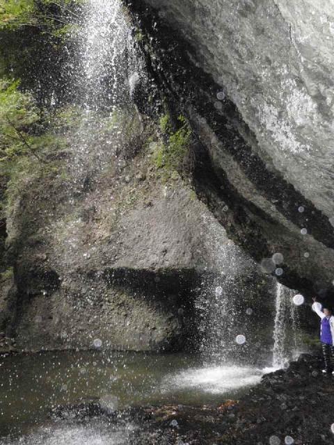 月待の滝_c