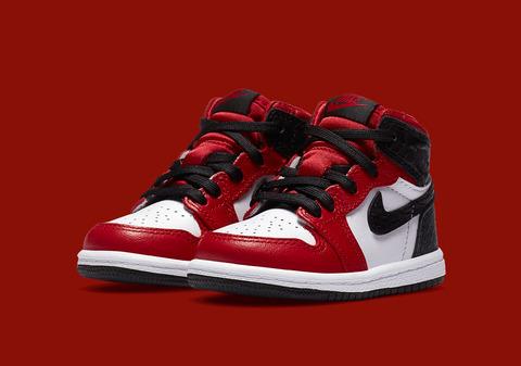 Air-Jordan-1-Retro-High-OG-TD-Satin-Snakeskin-CU0450-601-3