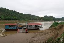 ラオス川3