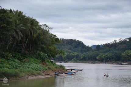 ラオス川14