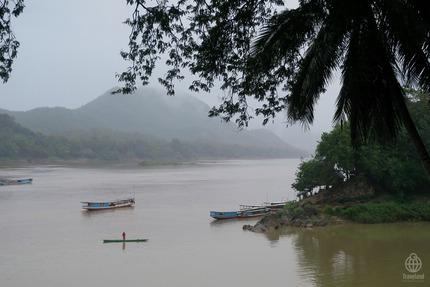 ラオス川4