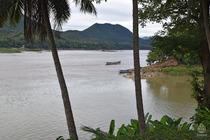 ラオス川11