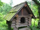 ログ犬小屋