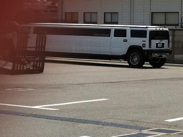 ハマー バス?