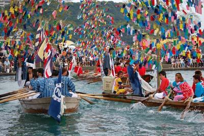祭り・船を漕ぐ若衆