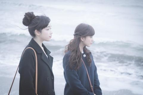 海岸_女性たち