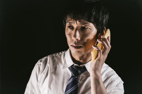 【戦慄】深夜、携帯『ピリピリ』俺「また電話かよ!?」→翌日、帰宅した時に携帯『ピリピリィイイ』俺「公衆電話からだストーカ」知人「その番号にかけたら?」→結果