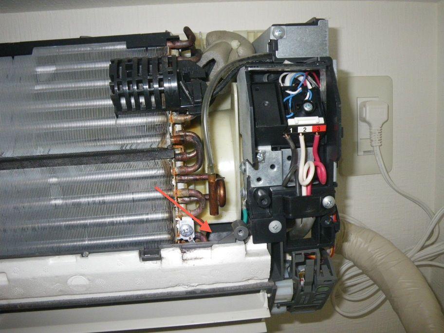 エアコン水漏れ修理