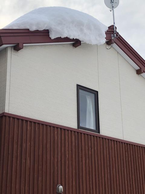 多雪地域のエコキュートの室外機の設置位置は慎重に
