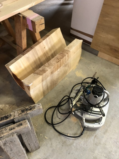 石江大屋根の家は家具工事も進んでおります
