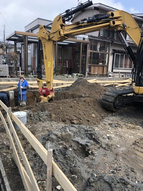 西滝キャットウォークのある大窓の家基礎工事進行中です