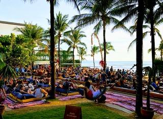 バリを代表する高級ビーチクラブ「ポテトヘッド」Potato Head Beach Club Bali @スミニャック