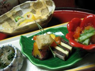静岡県、東伊豆・西伊豆・稲取温泉「プロが選ぶ日本のホテル・旅館100選」に選ばれる「銀水荘」の夕飯。