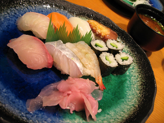 松山空港で食す、すし処「松山鮓(すし)」