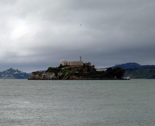 ケーブルカーとフィッシャマンズワーフとゴールデンゲートブリッジとアルカトラズ島
