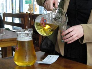 青島ビール飲み放題バー