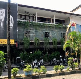 デュラン カフェ クタ スクエア(Dulang Kafe Kuta Square) @Bali・Kuta