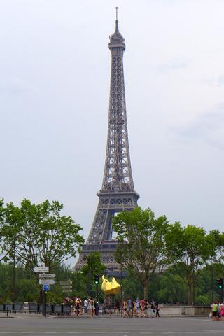 エッフェルの見えるブラッスリー「シェ・フランシス(Chez Francis)」 @パリ